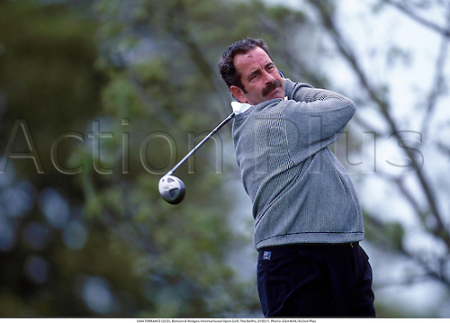 SAM TORRANCE (SCO), Benson & Hedges International Open Golf, The Belfry, 010511. Photo: Glyn Kirk/Action Plus...2001.golfer golfers