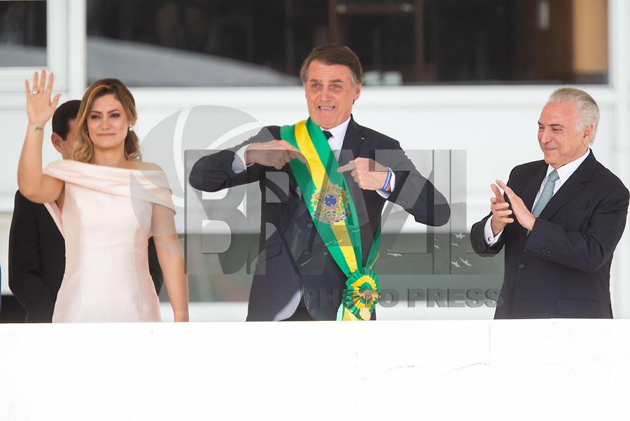 BRASILIA, DF, 01.01.2019 - BOLSONARO-POSSE-    O presidente Michel Temer, passa a faixa presidencial para o presidente empossado, Jair Bolsonaro, nesta terça-feira, 01.(Foto:Ed Ferreira / Brazil Photo Press)