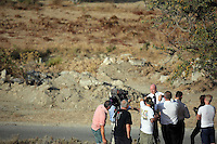 Pictured: Detective Inspector Jon Cousins of South Yorkshire Police briefs the media at the start of the search at the new site in Kos, Greece. Saturday 08 October 2016<br />
