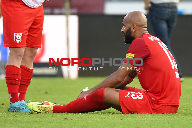 12.06.2020, Hänsch-Arena, Meppen, GER, 3.FBL, SV Meppen vs. Hallescher FC, <br /> <br /> im Bild<br /> Terrence Boyd (Hallescher FC, 13) sitzt nach dem Spiel auf dem Boden.<br /> <br /> <br /> DFL REGULATIONS PROHIBIT ANY USE OF PHOTOGRAPHS AS IMAGE SEQUENCES AND/OR QUASI-VIDEO<br /> <br /> Foto © nordphoto / Paetzel