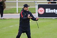 Trainer Niko Kovac (Eintracht Frankfurt) gibt Anweisungen - 14.11.2017: Eintracht Frankfurt Training, Commerzbank Arena