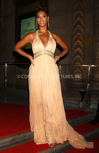 WWW.ACEPIXS.COM . . . . . ....January 31, 2007, New York City....Beyonce arrives at the AmfAR New York City Gala honoring John Demsey, Whoopi Goldberg and Bill Roedy at Cipriani.....Please byline: KRISTIN CALLAHAN - ACEPIXS.COM.. . . . . . ..Ace Pictures, Inc:  ..(212) 243-8787 or (646) 679 0430..e-mail: picturedesk@acepixs.com..web: http://www.acepixs.com