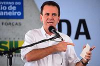 RIO DE JANEIRO, RJ, 14 DE JUNHO DE 2013 -PRESIDENTA DILMA NA ROCINHA-RJ- O Prefeito Eduardo Paesl na cerimônia de anúncio de investimentos em infraestrutura urbana e equipamentos sociais nas comunidades da Rocinha e nos complexos do Lins e do Jacarezinho, no Complexo Esportivo da Rocinha , zona sul do Rio de Janeiro/RJ do Rio de Janeiro.FOTO:MARCELO FONSECA/BRAZIL PHOTO PRESS