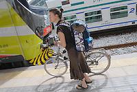 - Milan suburban railways, Rogoredo station, bike by train service<br /> <br /> - Passante Ferroviario di Milano, stazione di Rogoredo, servizio bici pi&ugrave; treno