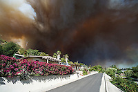 Smoke from Jesusita fire fills sky over neighborhood in evacuation zone, Santa Barbara, California, May 6, 2009