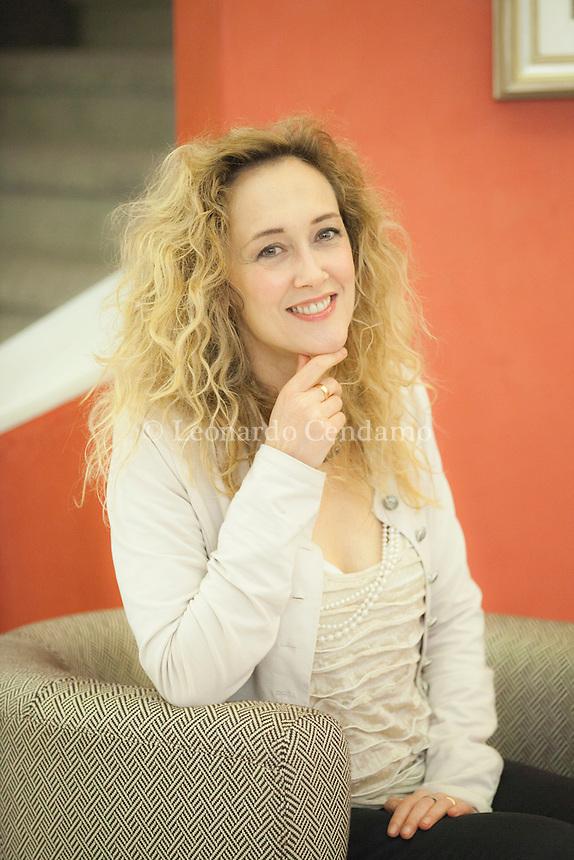 Lia Celi (Parma, 16 ottobre 1965) è una scrittrice, giornalista, autrice televisiva e conduttrice televisiva ... Dal 6 maggio 2013 conduce Celi, mio marito! su Rai 3. Pordenone, 20 settembre 2014. © Leonardo Cendamo