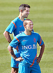 Nederland,Katwijk, 6 september 2012.seizoen 2012/2013.Het Nederlands elftal traint bij Quick boys in Katwijk .Wesley Sneijder en Robin van Persie