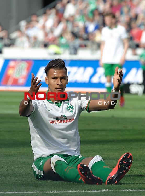 09.05.2015, HDI Arena, Hannover, GER, 1.FBL, Hannover 96 vs Werder Bremen, im Bild Davie Selke (Bremen #27) beschwert sich<br /> <br /> Foto &copy; nordphoto / Frisch