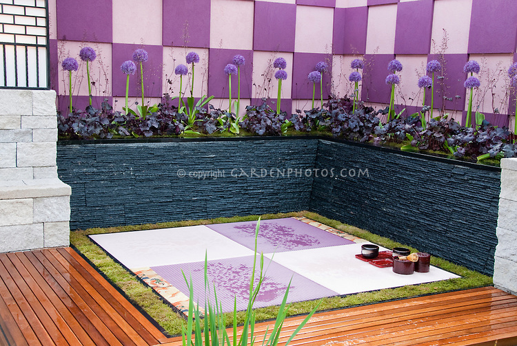 Zen like tranquil deck room in japanese style plant for Japanese decking garden