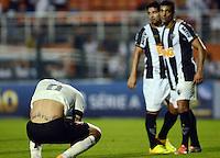 SAO PAULO SP, 14 Julho 2013 - Corinthians x Atletico MG.   Paolo Guerrero lamenta derrota durante partida valida pela setima rodada do campeonato brasileiro de 2013  no Estadio do Pacaembu em  Sao Paulo, neste domingo , 14. (FOTO: ALAN MORICI / BRAZIL PHOTO PRESS).