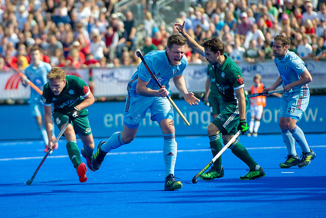 Krefeld, Germany, May 18: During the Final4 semi-final fieldhockey match between Mannheimer HC and Duesseldorfer HC on May 18, 2019 at Gerd-Wellen Hockeyanlage in Krefeld, Germany. (worldsportpics Copyright Dirk Markgraf) *** Peter Kohl #17 of UHC Hamburg