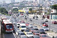 SAO PAULO, SP, 16 DE MAIO DE 2012 - ACIDENTE METRO - Transito intenso na Radial Leste no sentido centro devido ao acidente desta manha aonde dois trens do metro se chocaram.FOTO: DEBBY OLIVEIRA / BRAZIL PHOTO PRESS