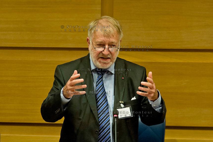 Roma 16 Novembre 2013<br /> Il presidente dell&rsquo; EUCOCO, sen. Pierre Galland (Belgio), alla giornata conclusiva  del 38&deg; EUCOCO, conferenza Europea di Coordinamento dei Comitati di solidariet&agrave; con il popolo sahrawi,  alla  sede  della Regione Lazio  a Roma.<br /> Rome November 16, 2013<br /> The President of the EUCOCO, sen. Pierre Galland (Belgium)., for the final day of the 38th EUCOCO, European Conference of Coordination Committees of solidarity with the Saharawi people, the headquarters  of   the Region of Lazio in Rome