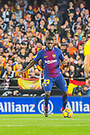 Samuel Umtiti of FC Barcelona runs with the ball during the La Liga 2017-18 match between Valencia CF and FC Barcelona at Estadio de Mestalla on November 26 2017 in Valencia, Spain. Photo by Maria Jose Segovia Carmona / Power Sport Images