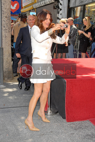 Roma Downey<br /> at the Hollywood Walk of Fame induction ceremoney for Mark Burnette, Hollywood, CA 07-08-09<br /> David Edwards/Dailyceleb.com 818-249-4998