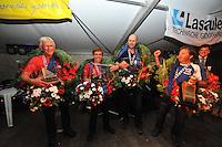 IFKS Sk&ucirc;tsjesilen Lemmer 10-8-2013<br /> Sk&ucirc;tsje Wylde Wytse met schipper Sikke Heerschop (Wylde Wytse | A), Froukje Meijer (Jonge Jasper | B),  Jaap Hofstee (It Swarte Wiif | C), Sietse Broersma (Avontuur | kleine a), IFKS kampioenen 2013 &copy;foto Martin de Jong