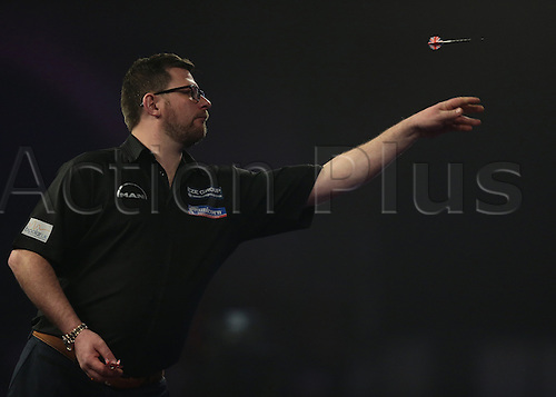 01.01.2016. Alexandra Palace, London, England. William Hill PDC World Darts Championship. James Wade throws during the first leg