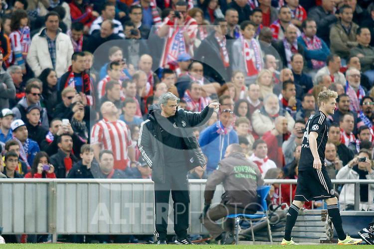Chelsea's coach Jose Mourinho during Champions League 2013/2014 match.April 22,2014.(ALTERPHOTOS/Acero)