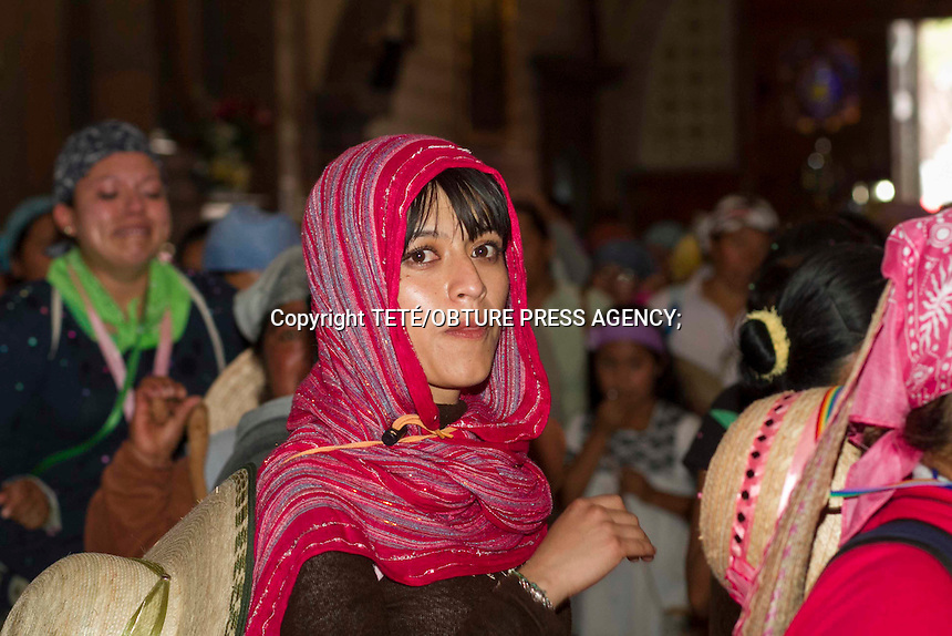 San Juan del R&iacute;o, Qro. 13 julio 2014.- Alrededor de 12 mil mujeres peregrinas arribaron este domingo a la cabecera municipal provenientes de la capital queretana, de Guanajuato y de la Sierra Gorda.<br /> Para conclu&iacute;r la jornada, las &quot;hermanas&quot; pasaron a saludar a la virgen de Guadalupe de la parroquia sanjuanense. Foto TET&Eacute;/OBTURE PRESS AGENCY;