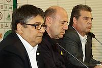 SAO PAULO, 18 DE MARÇO, 2013  - S.E. PALMEIRAS - APRESENTAÇÃO NOVA DIRETORIA DE MARKETING - O Diretor Executivo, José Carlos Brunoro(c) apresenta a nova diretoria de marketing do Palmeiras, os diretores Paulo Gregoraci(d)e Marcelo Giannubilo(e),   na tarde desta segunda-feira(18), na Academia de Futebol, Barra Funda -  FOTO: LOLA OLIVEIRA - BRAZIL PHOTO PRESS