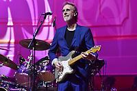 Mike Rutherford von Mike and the Mechanics live in der Hamburger Laeiszhalle. Hamburg, 22.04.2019