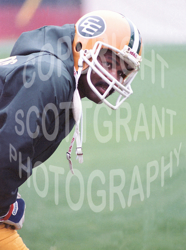 Larry Highbaugh Edmonton Eskimos 1983. Copyright photograph Scott Grant