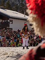 B&auml;renpfeifer beim Aufzug der Masken beim Nassereither Schellerlauf, Fasnacht in Nassereith, Bezirk Imst, Tirol, &Ouml;sterreich, Europa, immaterielles UNESCO Weltkulturerbe<br /> bear piper at the gathering of the masks, Nassereither Schellerlauf-Fasnacht, Nassereith, Tyrol, Austria Europe, Intangible World Heritage