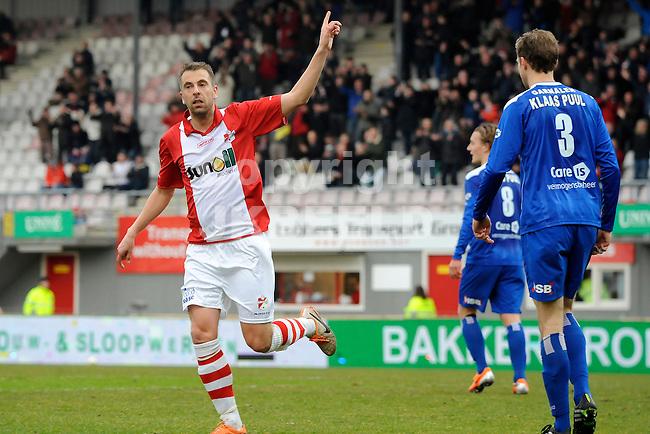 EMMEN - Voetbal, FC Emmen - FC Volendam, Jens Vesting, seizoen 2013-2014, 01-03-2014,   FC Emmen speler Oebele Schokker viert de 2-0