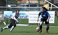 Zulte C - Club Brugge B : Dames Club Brugge B kampioen in 1ste provinciale met Sara Bakar tegenover doelvrouw Jolien Douterloigne <br /> Foto David Catry | Sportpix.be