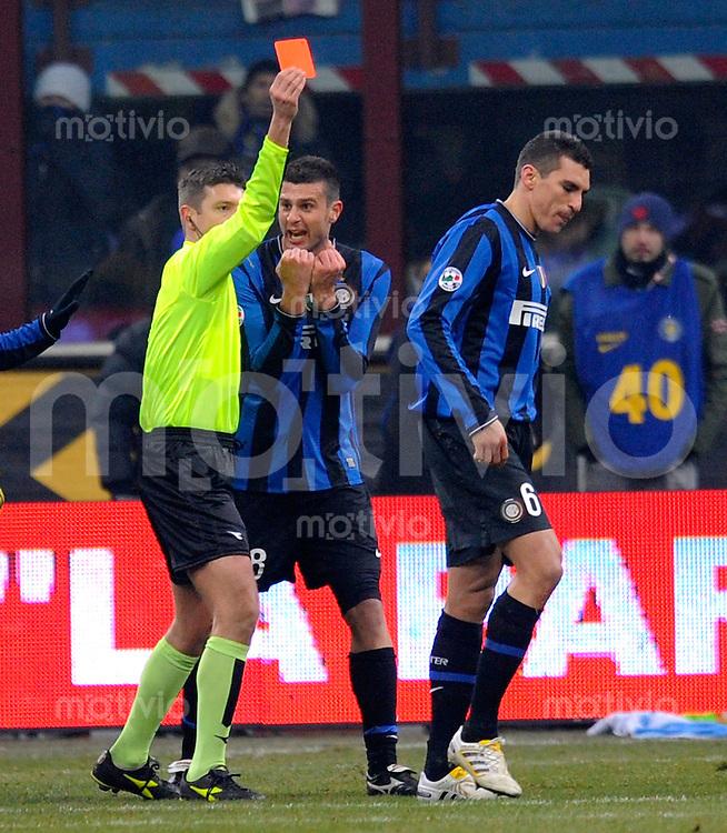 FUSSBALL INTERNATIONAL   SERIE A   SAISON 2009/2010    F.C.Inter Mailand - A.C.Milan , 24.01.2010 Rote Karte fuer Lucio (Inter)