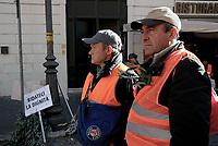 Roma, 14 Febbraio 2019<br /> <br /> Agricoltori e olivicoltori con i gilet arancioni protestano in Piazza Santi Apostoli, chiedono il riconoscimento dello stato di calamità dopo le gelate di febbraio 2018, interventi mirati e decisi contro la xylella .