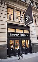 A Banana Republic store in New York on Friday, November 13, 2015. (© Richard B. Levine)