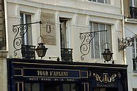 """Europe/France/Ile-de-France/Paris: """"BELLE EPOQUE"""" - Restaurant """"La Tour d'Argent""""<br /> PHOTO D'ARCHIVES // ARCHIVAL IMAGES<br /> FRANCE 1990"""