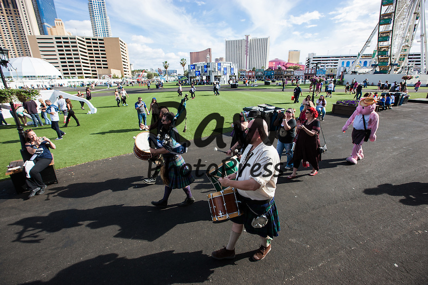 El festival Rock In Rio se ha celebrado este a&ntilde;o en Las Vegas.<br /> <br /> LAS VEGAS, NV - May 15: General atmosphere at Rock In Rio in Las Vegas, NV on May 15, 2015. Photo Credit: Chase Stevens / Retna Ltd.