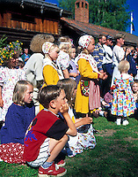 Sweden, Province Dalarnas laen, Leksand: Midsummer| Schweden, Provinz Dalarnas laen, Leksand: Mittsommerfest