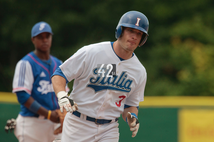 30 july 2010: Anthony Granato of Italy runs the bases after his solo home run during Italy 9-2 win over France, in day 6 of the 2010 European Championship Seniors, at TV Cannstatt ballpark, in Stuttgart, Germany.