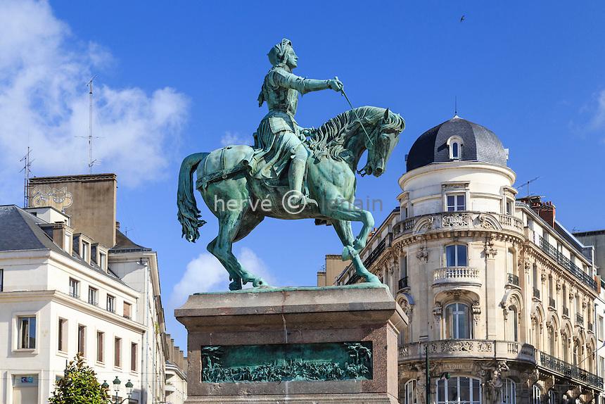 France, Loiret (45), Orléans, place du Martroi, statue de Jeanne d'Arc // France, Loiret, Orleans, Martroi place, Jeanne d'Arc statue