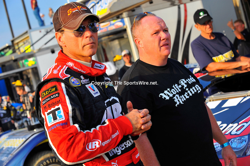 Sep 9, 2009; 6:25:27 PM; Rossburg, OH., USA; The 5th Annual All-star race with NASCAR and other drivers competing in Dirt Late Models of the Prelude to the Dream event running at the Eldora Speedway.  Mandatory Credit: (thesportswire.net)