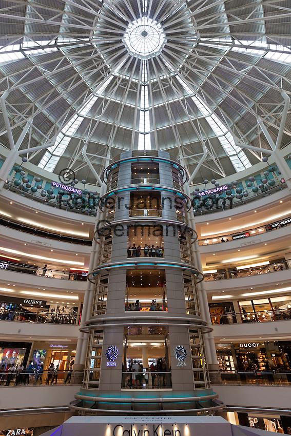Malaysia, Kuala Lumpur: Suria KLCC shopping mall next to the Petronas Towers | Malaysia, Kuala Lumpur: Suria KLCC shopping mall neben den Petronas Towers