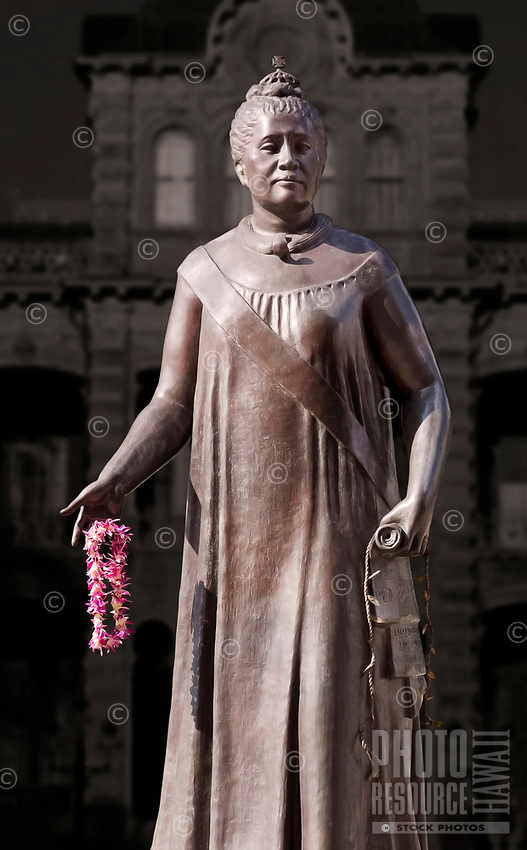 A statue of Queen Liliʻuokalani with ʻIolani Palace in the distance, downtown Honolulu, O'ahu.