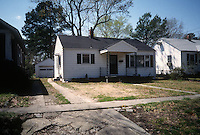1996 April 17.Conservation.Ballentine Place..BEFORE REHAB.2727 HARRELL...NEG#.NRHA#..