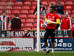 Jamal Blackman of Sheffield Utd warming up during the Championship League match at Bramall Lane Stadium, Sheffield. Picture date 19th August 2017. Picture credit should read: Simon Bellis/Sportimage