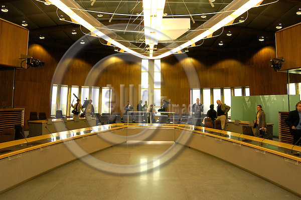 BRUSSELS - BELGIUM - 02 SEPTEMBER 2004 --The Commissioners meeting room at the new EU Commission headquarters in the newly renovated Berlaymont Building.  PHOTO: EUP-IMAGES.COM / JAKUB PERSIN