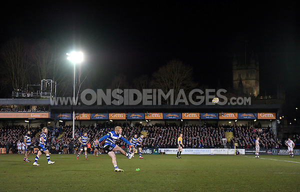 Tom Homer of Bath Rugby kicks for the posts. Aviva Premiership match, between Bath Rugby and Sale Sharks on March 6, 2015 at the Recreation Ground in Bath, England. Photo by: Patrick Khachfe / Onside Images