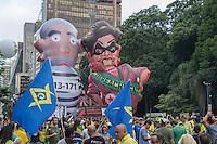 SÃO PAULO,SP, 13.03.2016 - PROTESTO-DILMA - Manifestação na Avenida Paulista, em São Paulo, contra o Governo Dilma Rousseff, neste domingo (13), pedindo o impeachment da presidenta petista e o fim da corrupção. A previsão de integrantes dos movimentos que organizam os protestos, dentre eles o Movimento Brasil Livre (MBL), é que mais de 500 cidades tenham atos com essas bandeiras. (Foto: Anselmo Almeida/Brazil Photo Press)