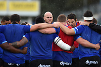 Matt Garvey of Bath Rugby speaks to his team-mates in a pre-match huddle. Aviva Premiership match, between Bath Rugby and Saracens on September 9, 2017 at the Recreation Ground in Bath, England. Photo by: Patrick Khachfe / Onside Images