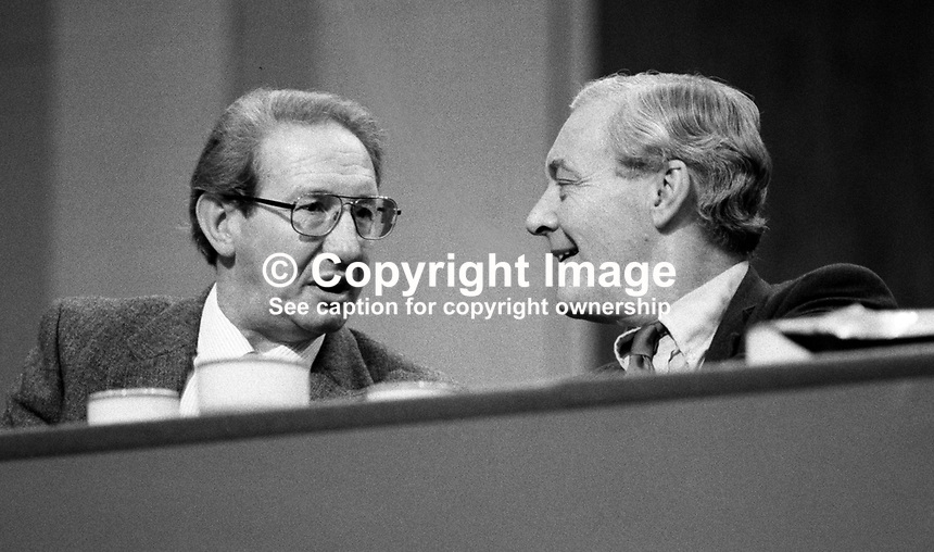 Tony Benn, aka Anthony Wedgwood Benn, MP, former government minister, Labour Party, UK, talking to _____________ at annual conference,  September 1982. 19820900140TB3.<br />
