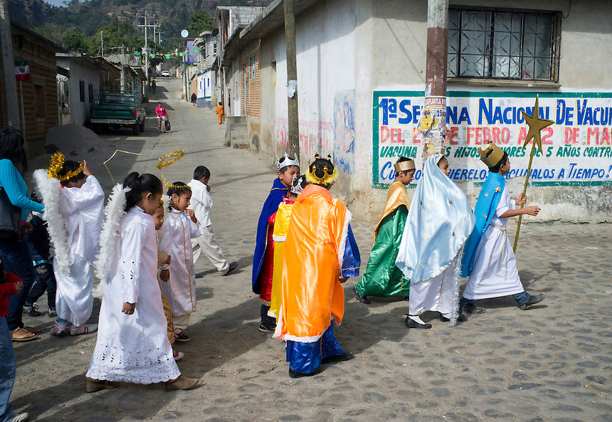 Christmas day procession in San Jose de los Laureles.