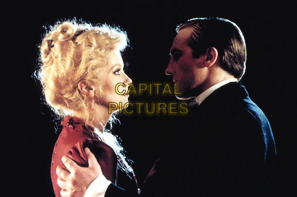 CATHERINE DENEUVE & GERARD DEPARDIEU.in Le Dernier Metro (The Last Mertro) .Filmstill - Editorial Use Only.Ref: FB.www.capitalpictures.com.sales@capitalpictures.com.Supplied by Capital Pictures.