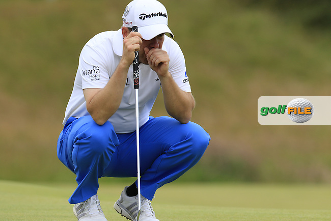 Richie RAMSAY (SCO) lines up his putt on the 17th green during Monday's Final Round of the 144th Open Championship, St Andrews Old Course, St Andrews, Fife, Scotland. 20/07/2015.<br /> Picture Eoin Clarke, www.golffile.ie